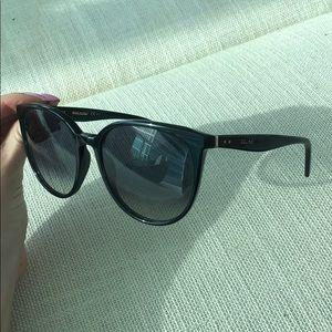 f5138a55bf61 Never worn Celine sun glasses